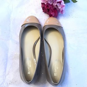 Naturalizer flats khaki/ Tan SZ 7.